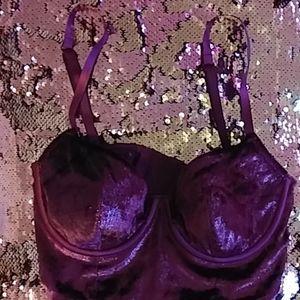 Victoria Secrets Very Sexy balconet bra 32C